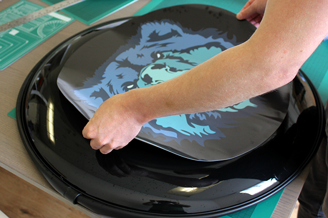 Application of wheel cover sticker