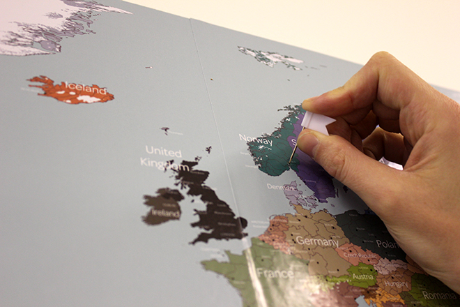 Shipping posters worldwide – cork map sticker
