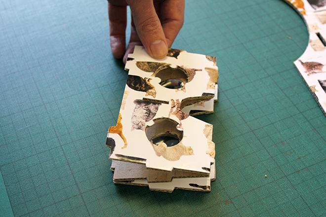 folding virtual reality headset