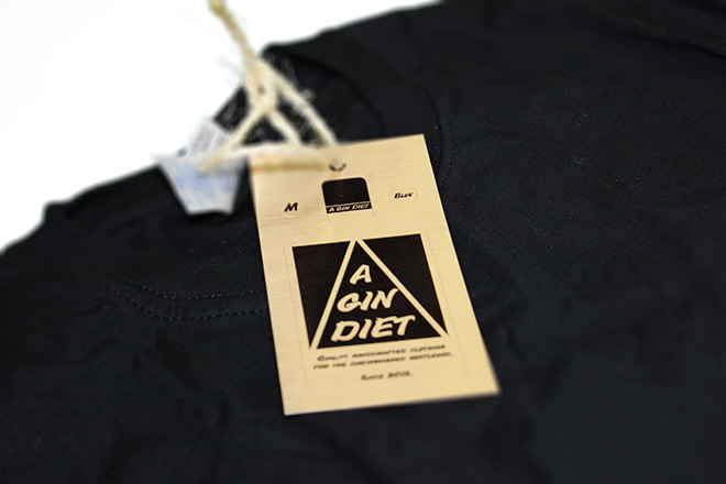 metallic clothing tag sticker
